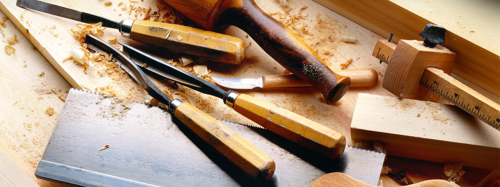 Attrezzi manuali per lavorare il legno