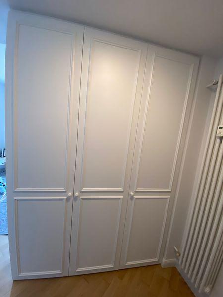 mobile ingresso bianco